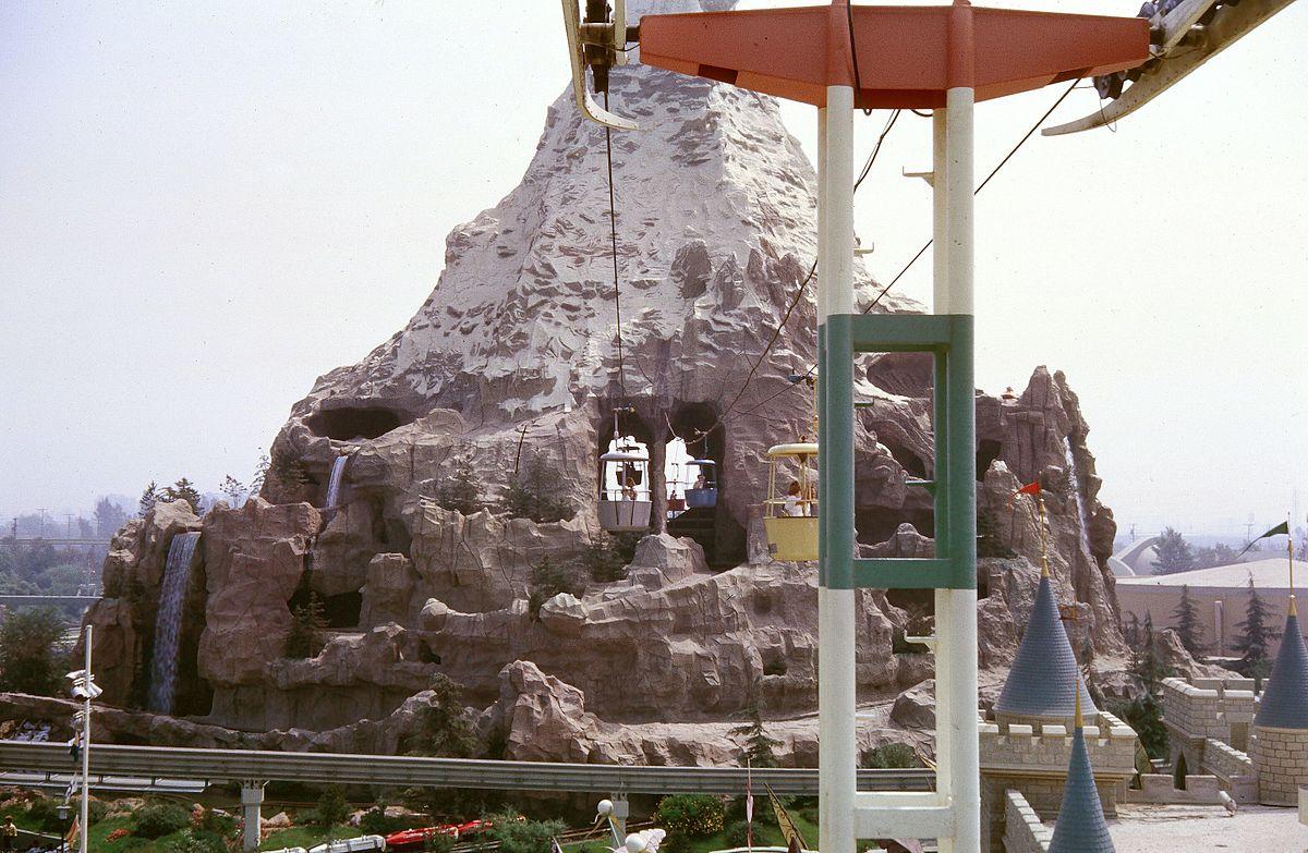 Matterhorn_Skyway_straight_on